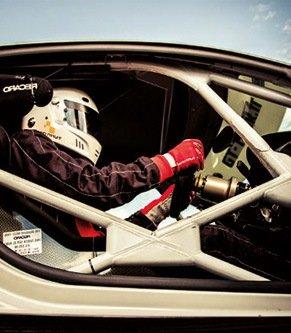 Équipement véhicule de compétition